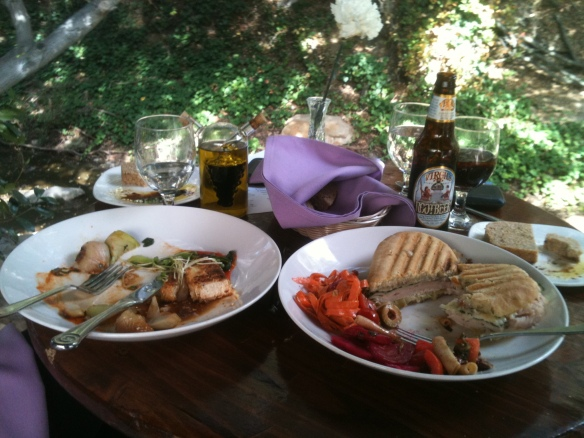 lunch with kara at the inn of the 7th ray topanga panini and pasta on a mellow monday